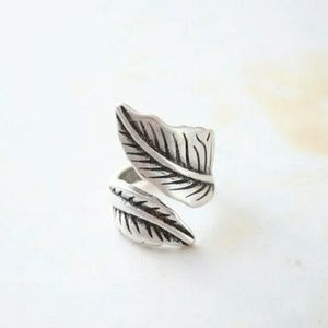 Jewelry - Silver Leaf Ring